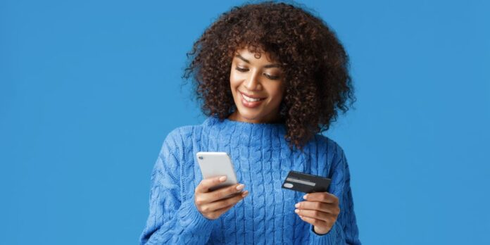 ecommerce strategy_girl_mobile_phone