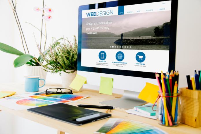 websitedesign_desk_monitor_flowers